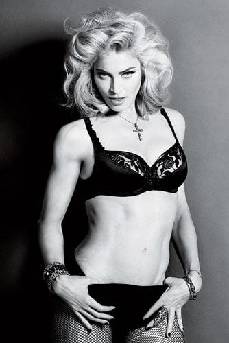 Откровенный наряд Мадонны